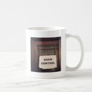 Zeigen Sie Kontrolle Kaffeetasse