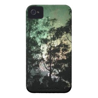 Zellentelefonkasten - Baum-Silhouettefeuerwerke iPhone 4 Case-Mate Hüllen