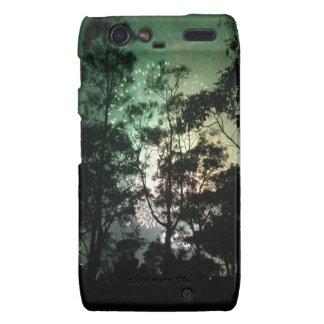 Zellentelefonkasten - Baum-Silhouettefeuerwerke Droid RAZR Hüllen