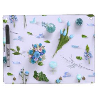 Zerstreute Blumen blau Trockenlöschtafel Mit Schlüsselanhängern