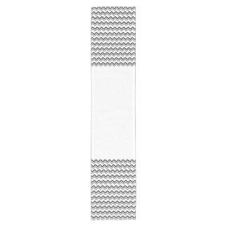 Zickzack Schwarzweiss-Weiß des modernen Chic Grenz Kurzer Tischläufer