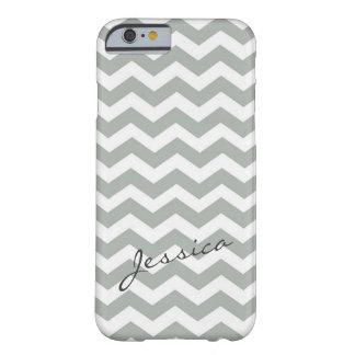 Zigzag gris élégant de chevron avec le nom coque iPhone 6 barely there