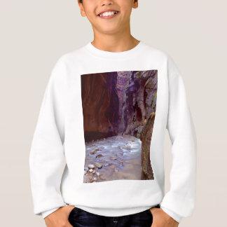 Zion Engen, die durch den Fluss in Zion Erzählung Sweatshirt