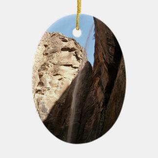 Zions weinender Felsen an Zion Nationalpark Ovales Keramik Ornament