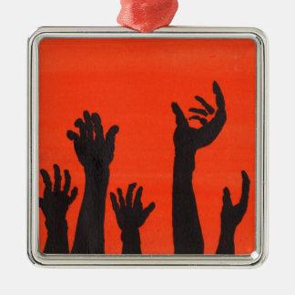 Zombie übergibt Orange Quadratisches Silberfarbenes Ornament