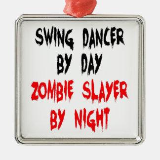 Zombieslayer-Schwingen-Tänzer Quadratisches Silberfarbenes Ornament