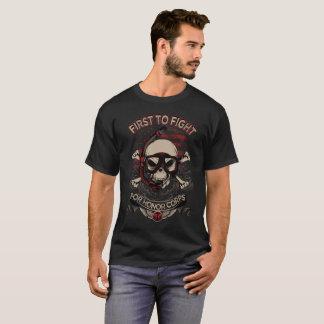 Zuerst kämpfen T-Shirt