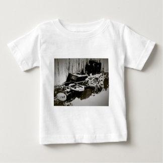 Zug-Wrack am Hafen-Strand Michigan Baby T-shirt