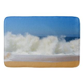 Zusammenstoßende Ozean-Wellen-große Bad-Matten Badematte