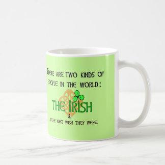 Zwei Arten Leute: Irisch Tasse
