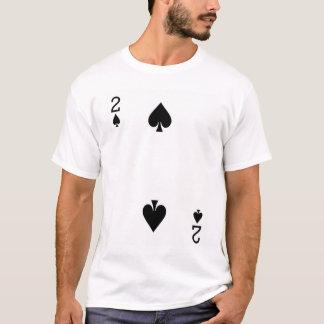 Zwei der Spaten-Spielkarte T-Shirt